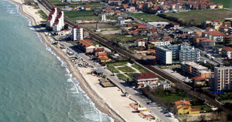 """Lucchetti: """"Arriva l'estate, qual è il piano elaborato dalla Giunta per attrarre turisti?"""""""