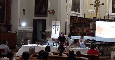Fino a domenica esposto a Mondolfo l'artistico Crocifisso restaurato dagli alunni dell'Istituto Enrico Fermi